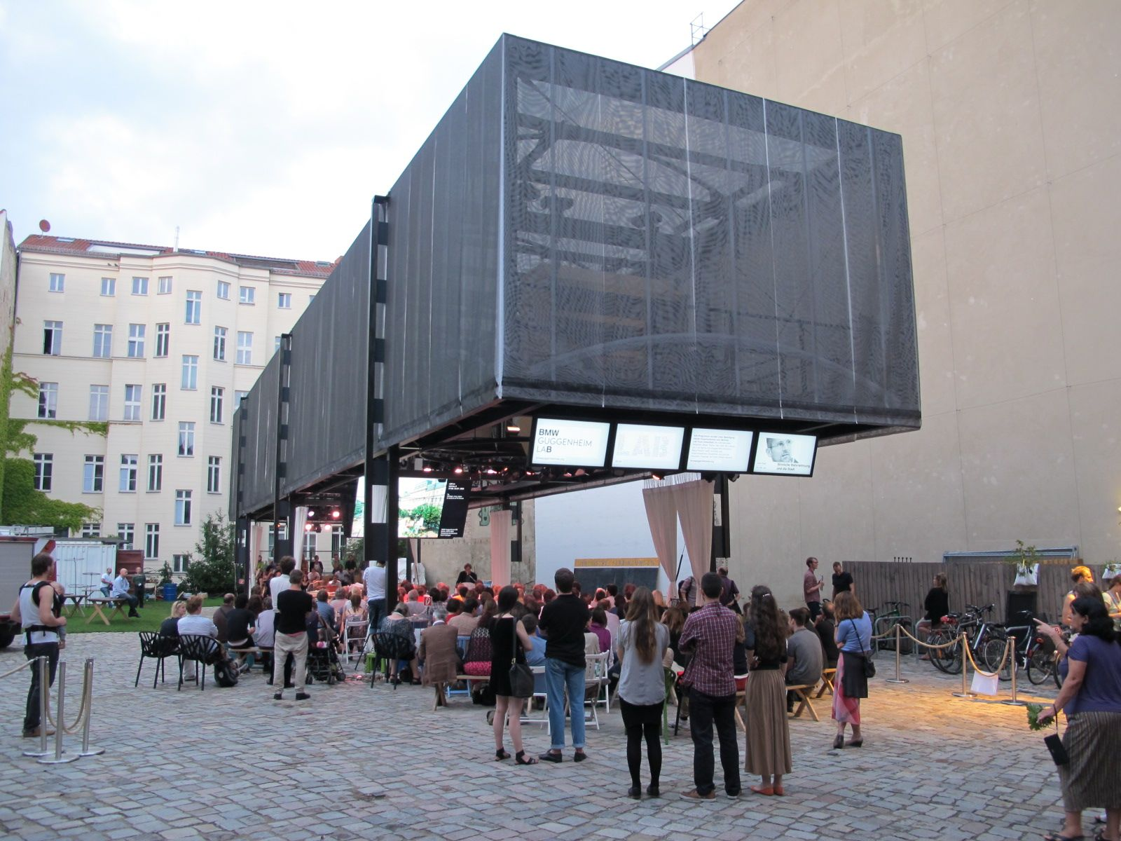 What can temporary architecture do the bmw guggenheim lab for Lab architects