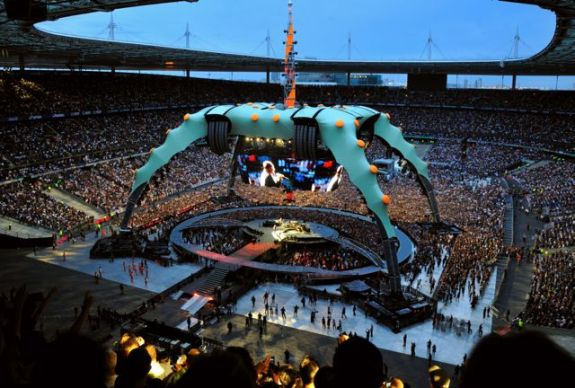 U2 360 degrees stage set, Willie Williams and Mark Fisher (photo: StuFish)